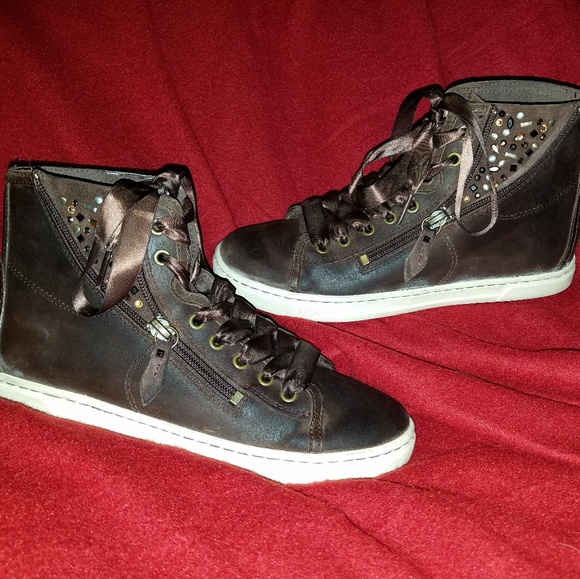 c4c962e7045 Ugg Blaney Crystal High Top festival sneakers